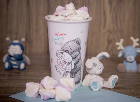 Me To You tall cup, soft toy and yummy marshmallows